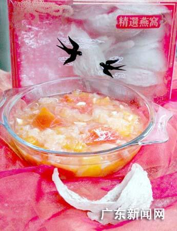 """""""燕窝炖木瓜""""-送给女冠军们的滋润甜品"""