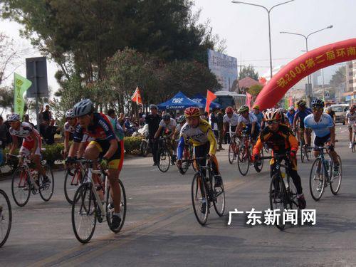 广东汕头举行环南澳岛自行车赛 香港选手获冠军