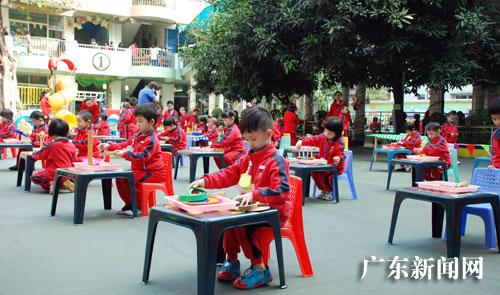 家长专家齐探讨幼儿生活卫生行为习惯的养成教育