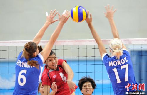 8月14日晚,深圳第26届世界大学生夏季运动会女子排球比赛高清图片