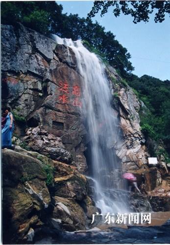 6亿元,其中包括秦山岛风景区开发建设项目,锦屏山北文化旅游综合开发