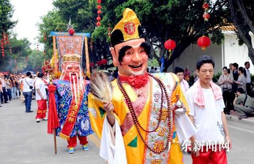 广州南沙妈祖文化旅游节开幕六万信众拜妈祖