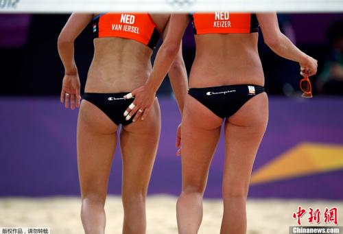当地时间7月29日,英国伦敦,女子沙滩排球比赛 高清图片