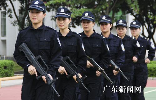 河源市公安局女子特警中队进行封闭式训练(图