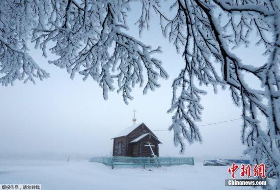 冬天的克拉斯诺耶最低气温可以达到零下40摄氏度。据估计,涅涅茨人一年有260天生活于冰雪之中。