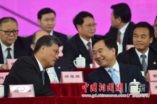 中共中央政治局委员、广东省委书记李希,广东省委副书记、省长马兴瑞出席开幕式。