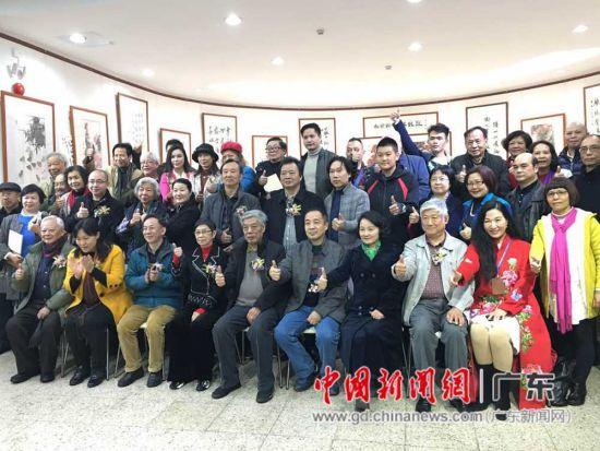 陈永锵《向陈树人先生致敬》作品展迎来众多参观者。