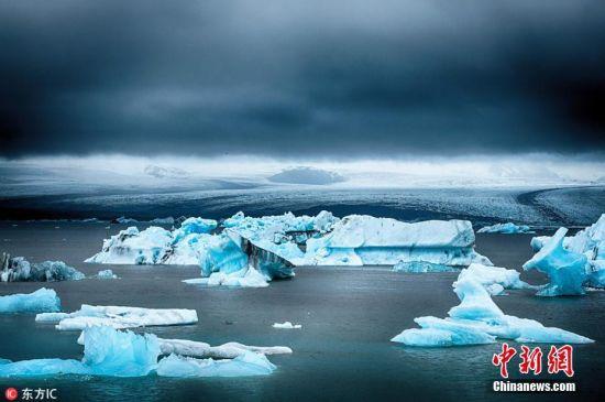 当地时间2018年7月8日,摄影师Larry Clouse在冰岛拍摄无比伦比的天然美景,从瀑布到冰川泻湖,从海鹰到野花,数不胜数的美景带观众一览冰岛自然的极致魅力。图片来源:东方IC 版权作品 请勿转载