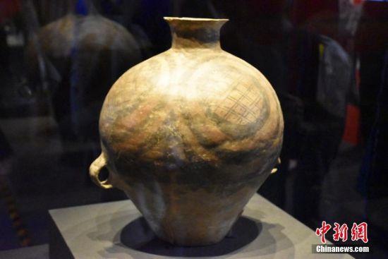 今年3月23日,中意两国代表在罗马交换了796件中国文物艺术品返还证书。4月10日,这批中国文物艺术品历经12年回归之路,终于回归中国。图片来源:东方IC 版权作品 请勿转载