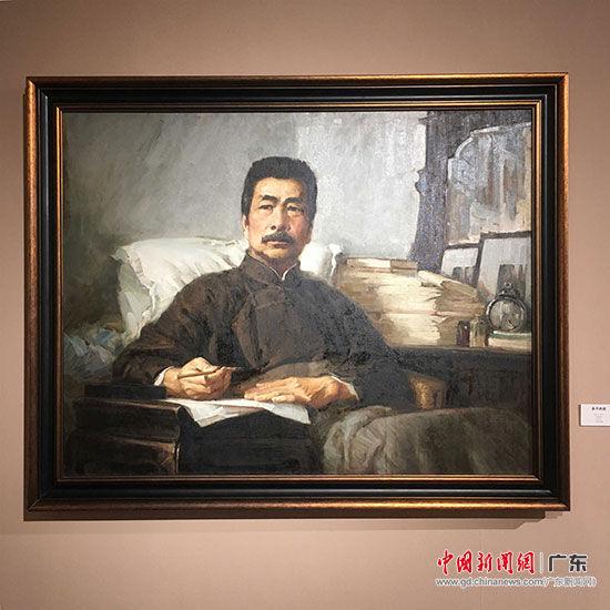 汤小铭的作品《永不休战》出现在中学课本中,成为数代人的记忆