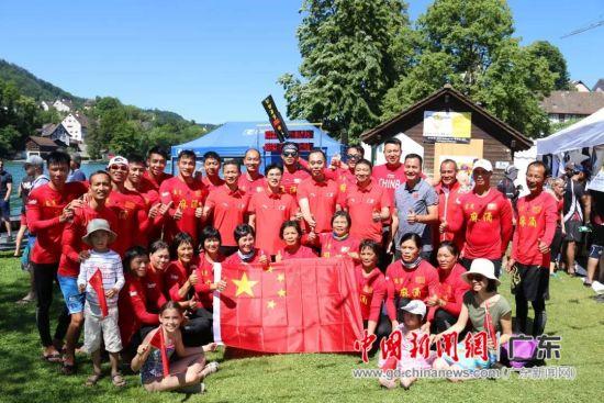 中国东莞麻涌龙舟队代表中国出战第28届艾格丽萨国际龙舟邀请赛。麻涌宣供图。
