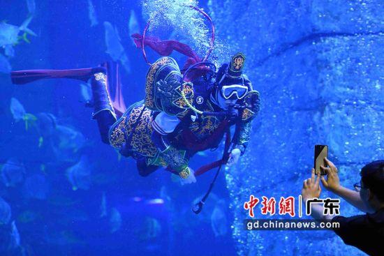 """""""哪吒""""现身广州正佳极地海洋世界。"""