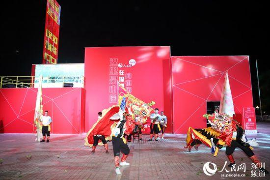 深圳南岭村带来麒麟舞表演,表达迎祥纳福。 胡苇杭 摄