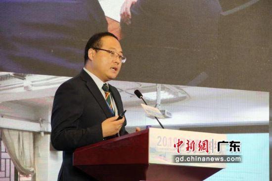 华众联创工程顾问三地联营事务所总经理闫澍在作主题演讲。刘心宇摄影