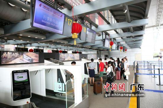 东航加密航线升级自助乘机方式服务广交会。作者:东航供图
