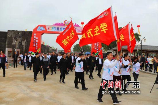 汕头潮南近千名干部群众徒步感受美丽乡村 潮南宣摄影