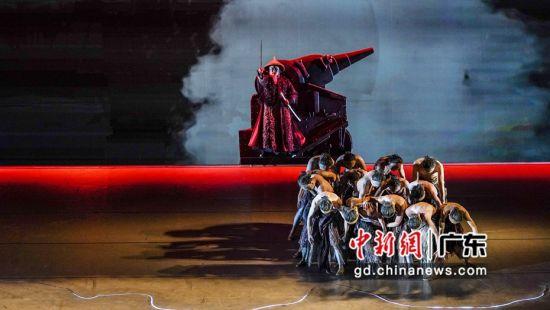 原创话剧《林则徐》演出现场。(主办方供图)