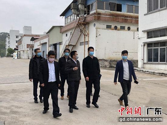 """广东开平市为企业复工复产提供""""防护网"""""""