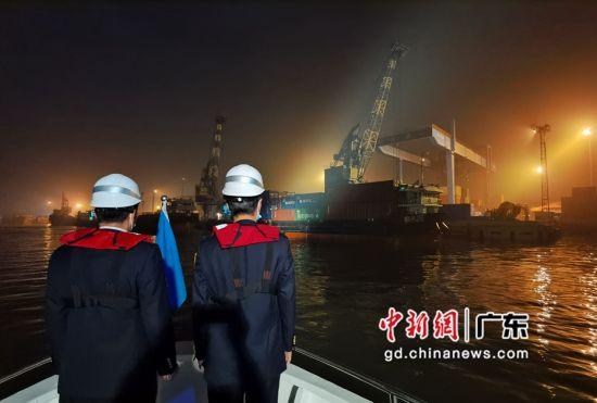 """广州海事部门打造防疫物资水上运输""""绿色通道""""。作者:庄圣为"""