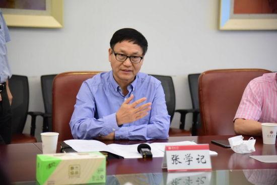 深圳大学副校长张学记介绍深圳大学PCT国际专利申请量的相关情况