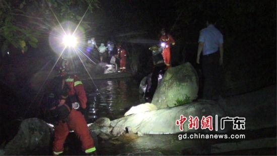 广东大亚湾消防大队联合多部门救援20余名师生