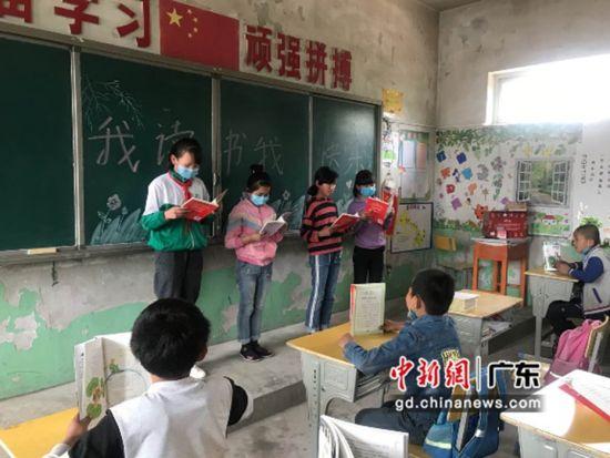 """""""小候鸟基金""""关注流动儿童心理成长。刘旭婷摄"""