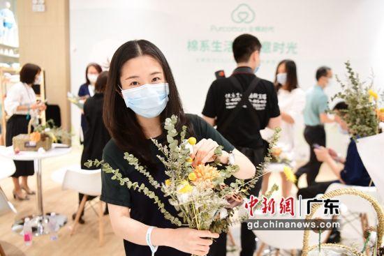 """全棉时代""""棉·自然·人""""主题展在深圳深业上城开启"""
