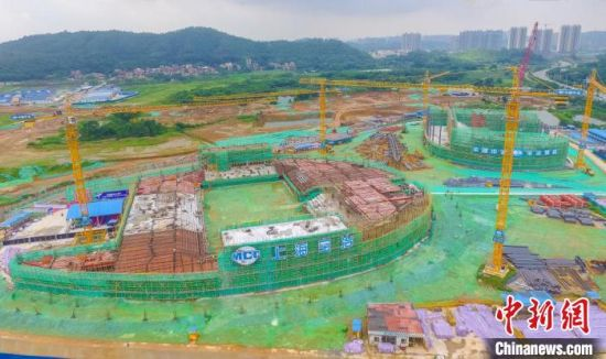 清远奥林匹克体育中心项目正在有序建设中。上海宝冶广州分公司 供图