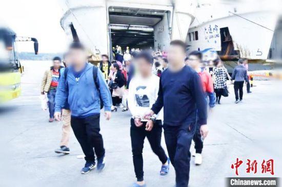 广州海珠警方抓获涉案犯罪嫌疑人。广州警方 供图