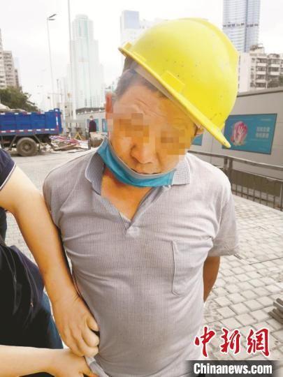 东莞警方抓获在逃27年犯罪嫌疑人杨某祥。警方供图