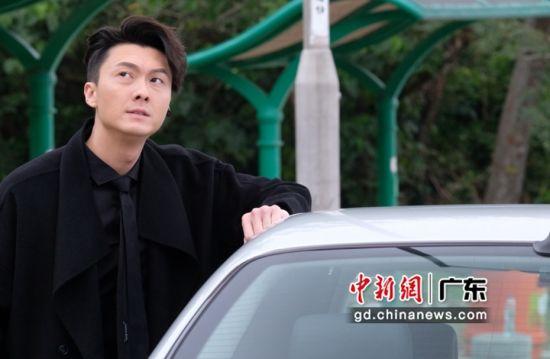 《反黑路人甲》剧照。该剧演员王浩信。 埋堆堆app 供图