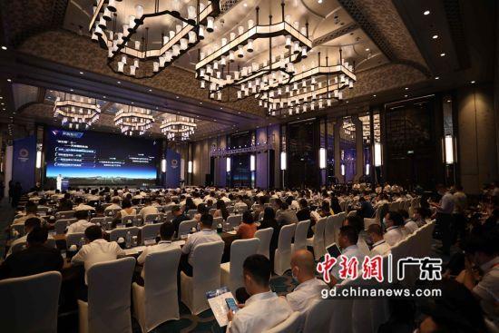 15日,成都2020(广州)投资推介会暨项目集中签约仪式在广州举行。图片来源:成都市国有资产监督管理委员会