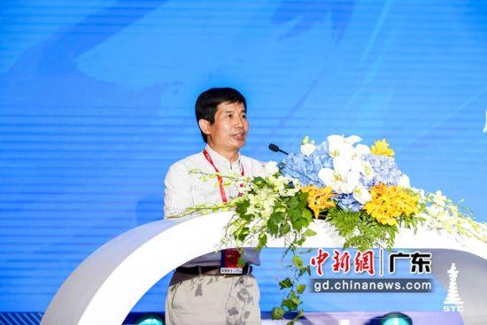 广州市发展和改革委员会市管一级调研员李小聪致辞。佳都科技 供图