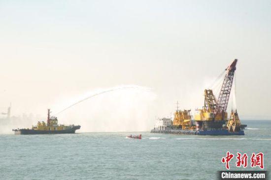 现场模拟施工船舶火灾应急处置 广东省交通集团供图 蔡敏婕 摄