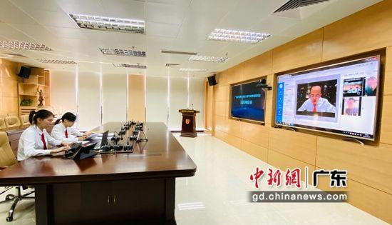 10月21日,由港澳仲裁员在线参审的劳动争议仲裁案件通过线上调解办结。 广州市南沙区劳动人事争议仲裁委员会 供图