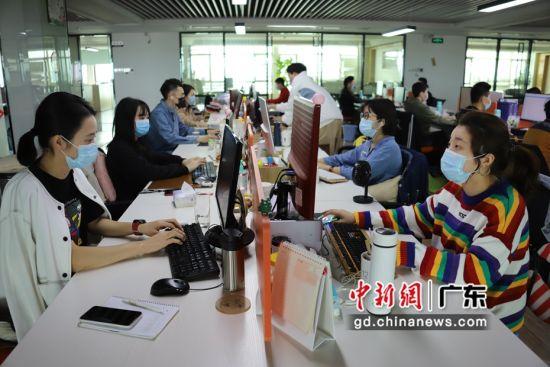 广东洪兴实业股份有限公司电商设计团队。潮南宣供图