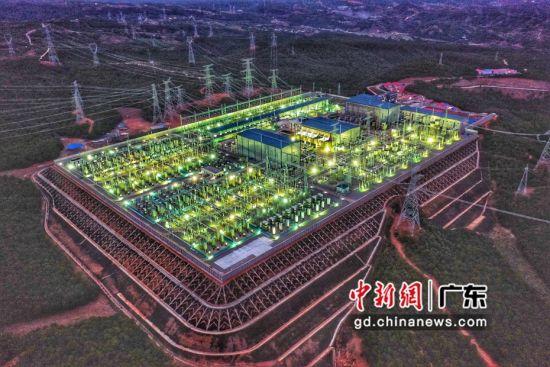 中国南方电网公司11月5日公布进行数字化重塑成果,年内将基本建成数字电网。资料图