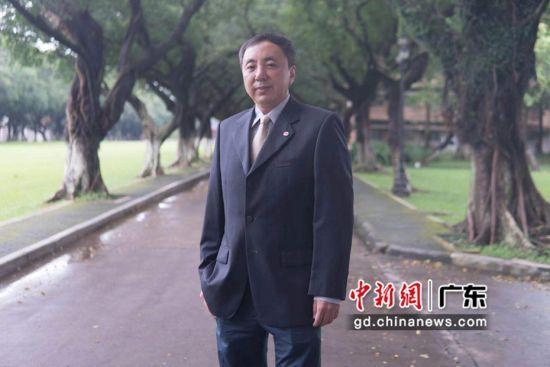 图为中山大学世界经济和金融学教授、中国转型与开放经济研究所所长王曦。 受访者王曦 供图
