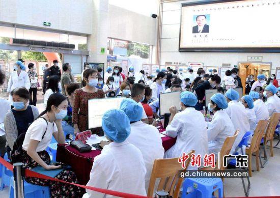 第五届珠海中医膏方节在珠海市中西医结合医院拉开帷幕。刘星摄