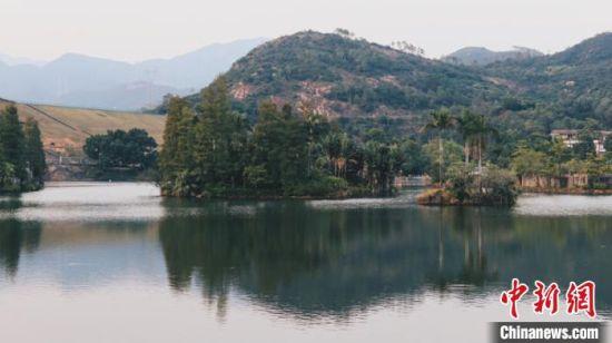 图为广东省江门市的一处水库。 王坚 摄