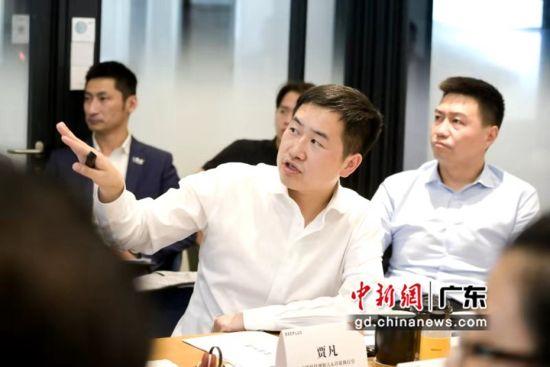 蜜蜂科技创始人兼首席执行官贾凡在作介绍。翁俊杰摄