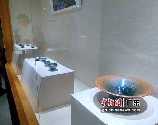 """""""瓯韵天成""""――建盏文化艺术展在广东东莞市石龙博物馆开展。图为展出建盏作品 李纯 摄"""