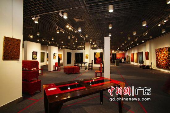 张温帙当代艺术作品展在广州举行