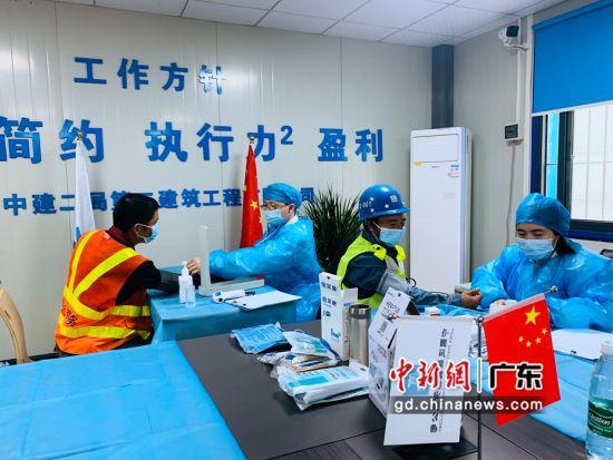 广州白云机场空港物流园项目与广州市白云区第三人民医院合作,进行的免费新冠疫苗接种。 作者 吴坎坷