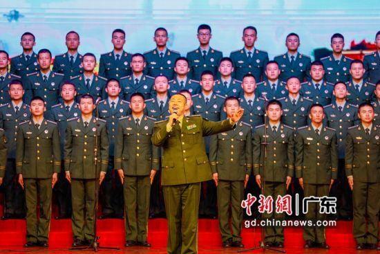 """警官学院训练基地举办""""唱支歌儿给党听""""合唱比赛"""