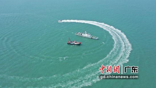 廣東汕尾海警局在粵東海域開展海陸聯合訓練