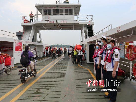 中秋假期首日广州海事全力保障水上渡运安全 作者 孟曦