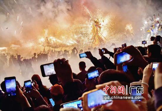 全国手机摄影大展作品+《丰顺火龙舞之夜》姚泽林 广东省