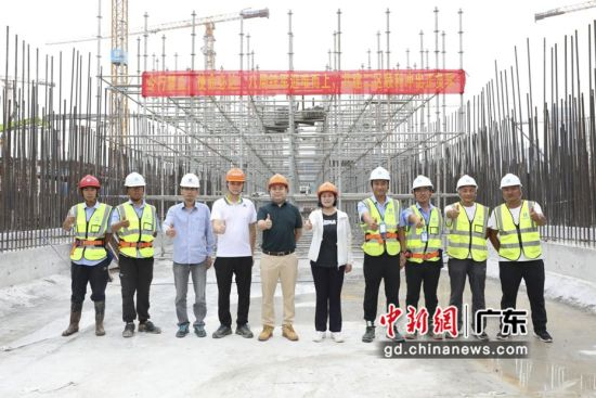 广交会展馆四期项目共建二区托换梁施工圆满完成。通讯员 供图