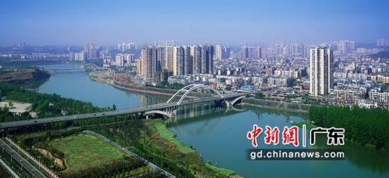 资阳城市照片(沱三桥) 作者 王勇